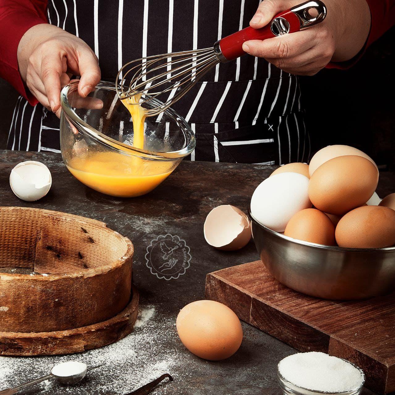 نگهداری تخم مرغ در شیرینی پزی